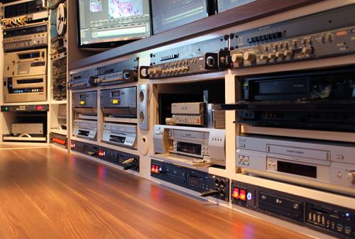Laboratoire de numérisation VHS et HI8
